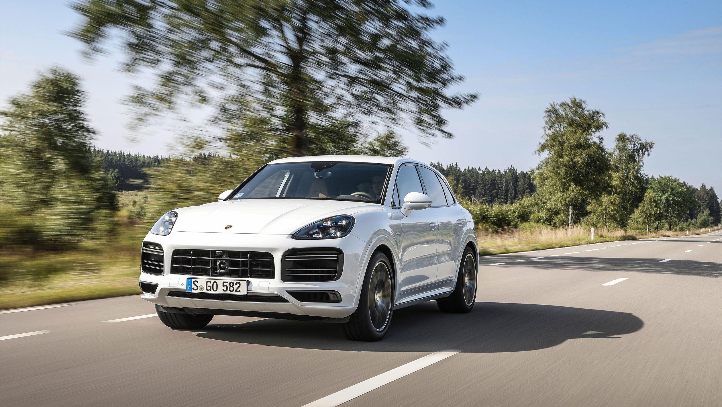2020 Porsche Cayenne Turbo S E Hybrid Tops The Range With 670 Horsepower Top Speed Cayenne Turbo Porsche Cayenne Porsche