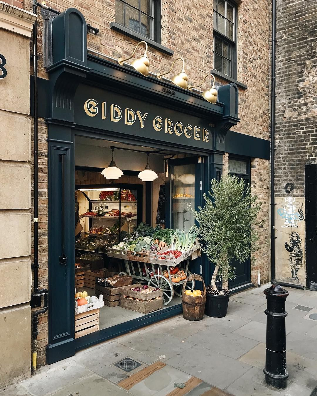 Giddy Grocer Bar Portal