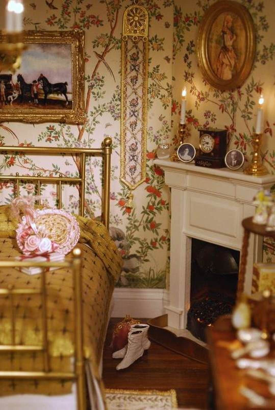 Victorian Bedroom Ideas. Ok I Pinned This, But Cannot