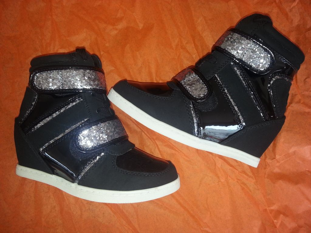fashion shoes for young girls wwwimgkidcom the image