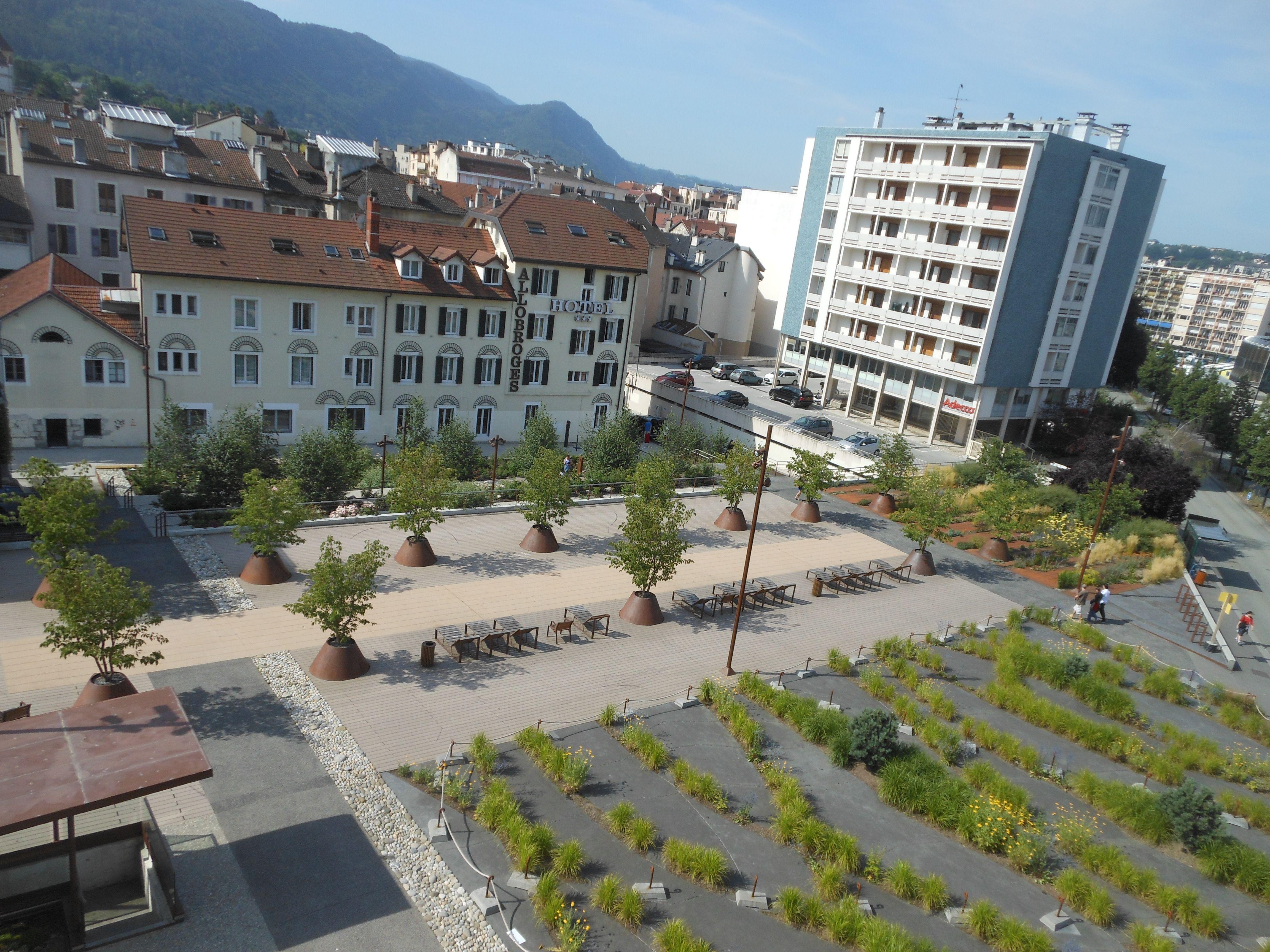 Collectivit s espace public urbain bronze mairie d for Jardin urbain
