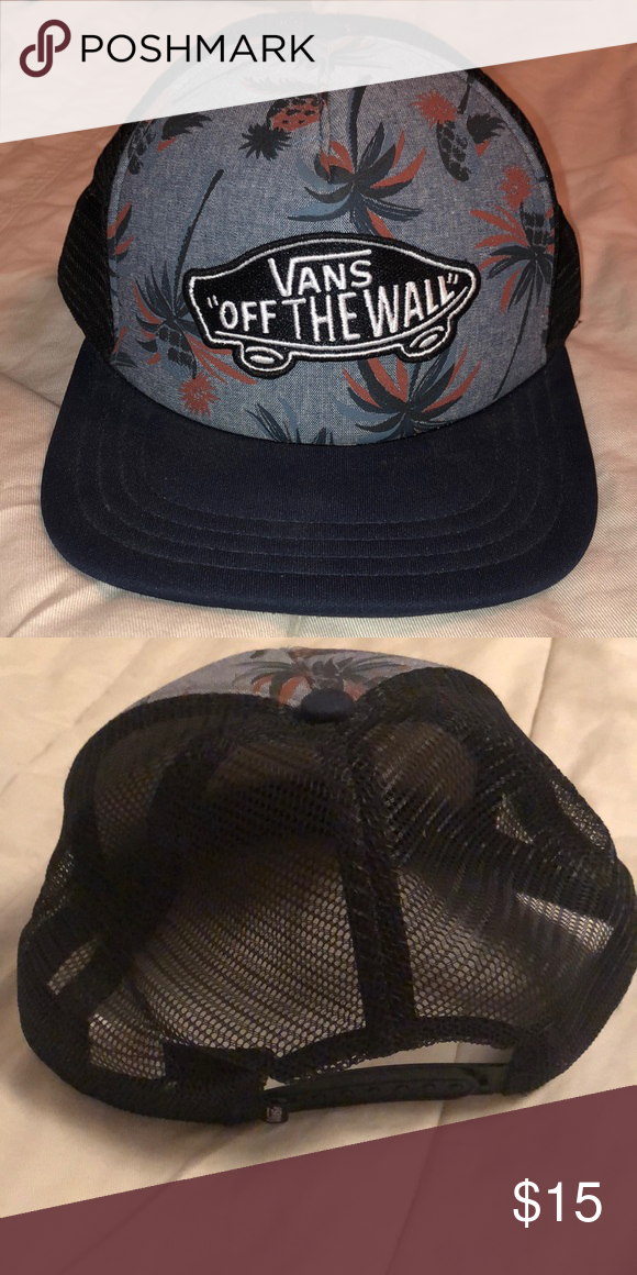 0df858d9115 Vans SnapBack Stylish vans SnapBack which I have owned for a while however  needs to find a better owner. Vans Accessories Hats