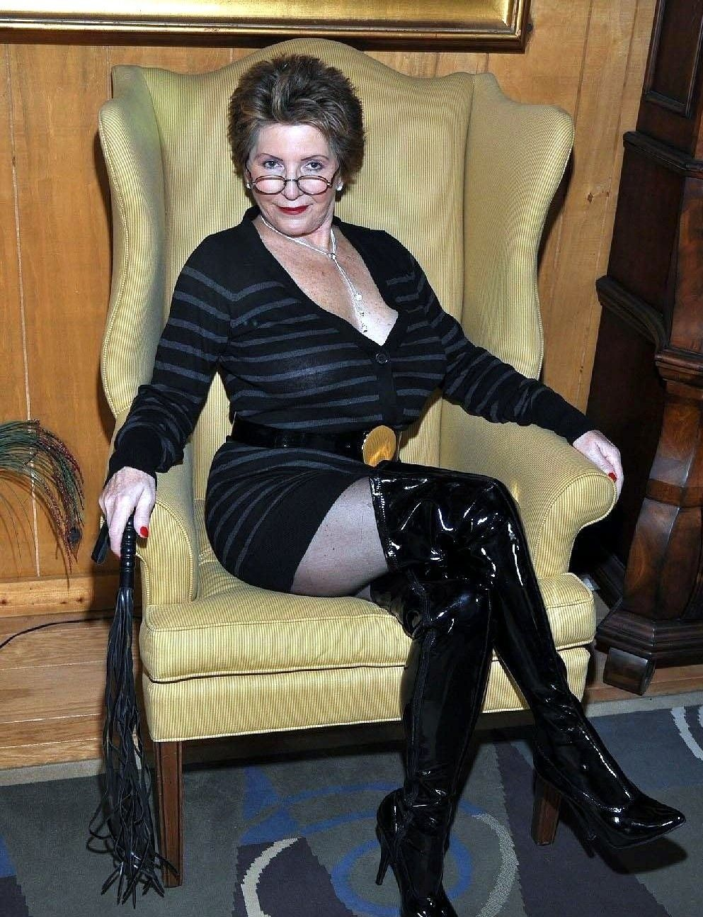 Mature domme fetish gallery