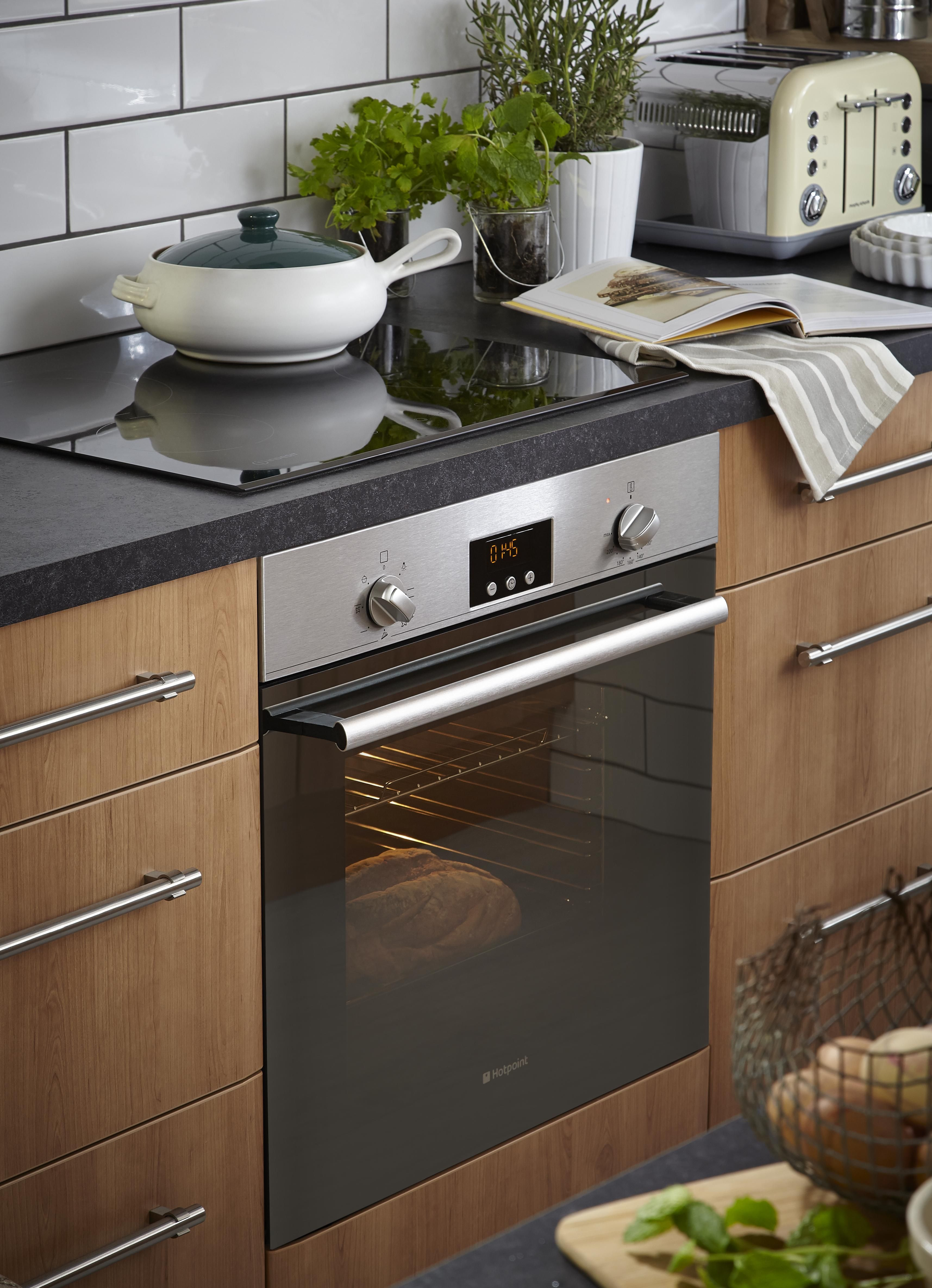 What S Cooking In This Beautiful Sandford Cherry Kitchen