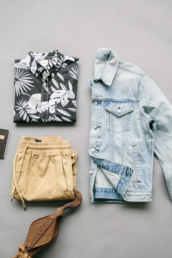 It's never too soon for tropical daydreams. Wear a classic ...