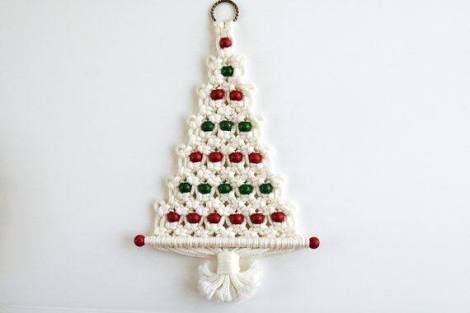 Large plastic holiday door or wall hanging tree