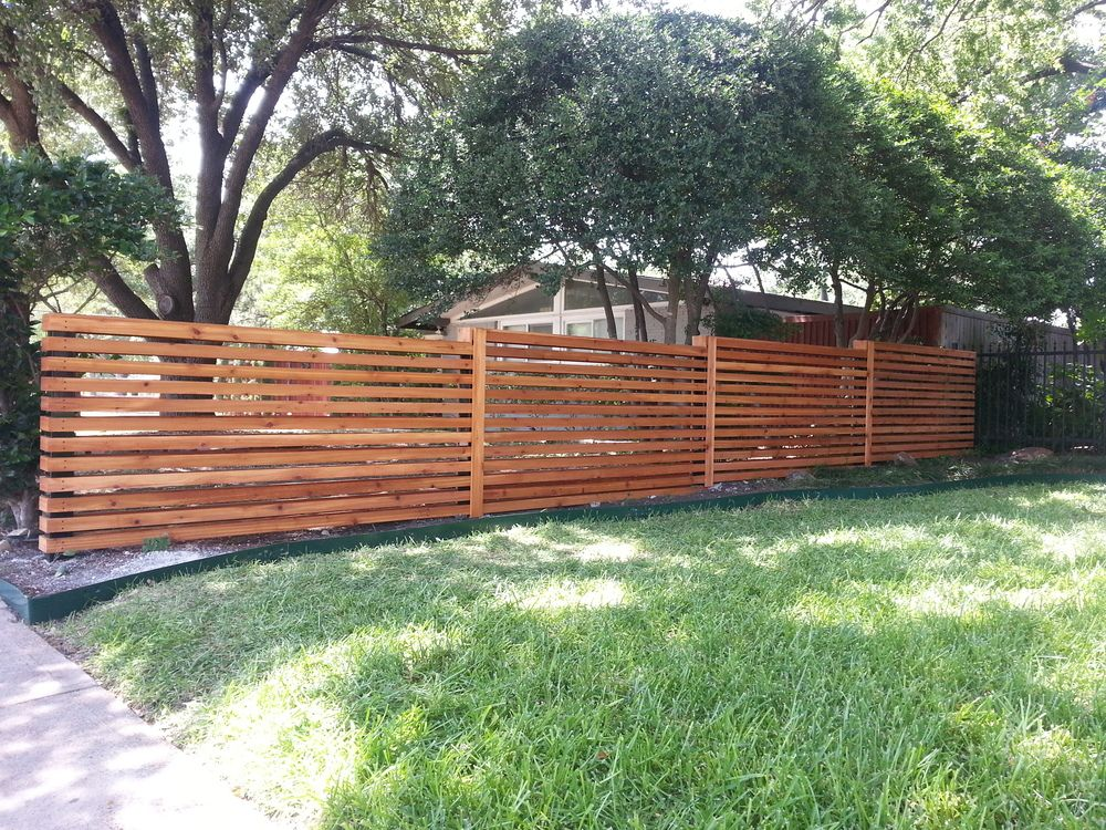 Horizontal Wood Fence Mixed With Chain Link Fence Google