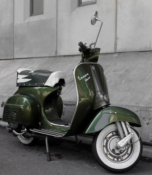 Vespa Dark Green With Images Vespa Vespa Vintage Vespa