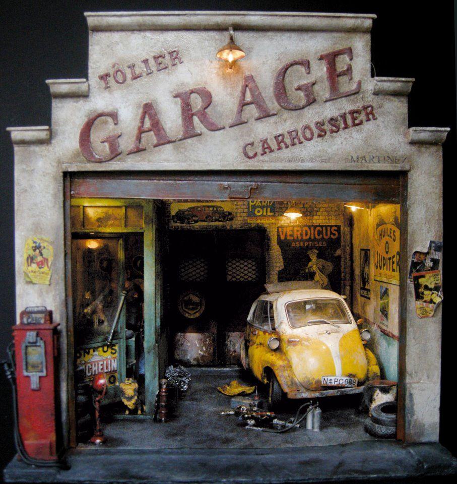 Garage Diorama. Diorama, Maison miniature, Carton plume