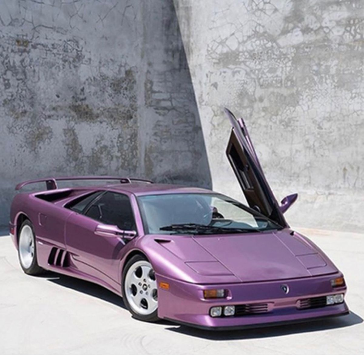 pin by a lo xvii on purple lifestyle in 2020 lamborghini diablo lamborghini super cars pinterest