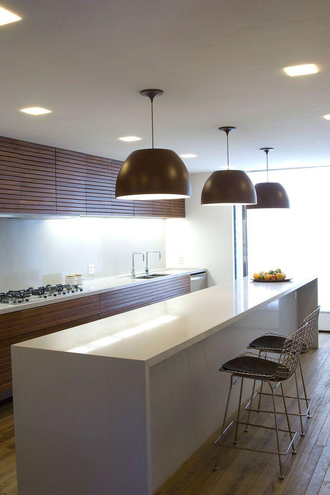 plafon para iluminação geral embutidos no forro e luminária \