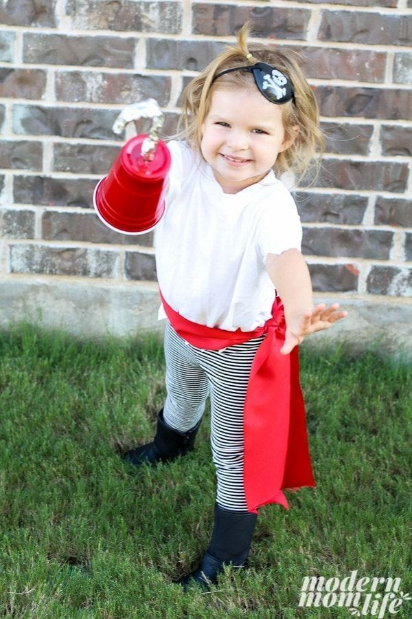 How to Make a DIY Pirate Costume for The Best Pirate Story Never Told - Halloween - #Costume #DIY #Halloween #Pirate #Story #Told #diypiratecostumeforkids How to Make a DIY Pirate Costume for The Best Pirate Story Never Told - Halloween - #Costume #DIY #Halloween #Pirate #Story #Told #diypiratecostumeforkids