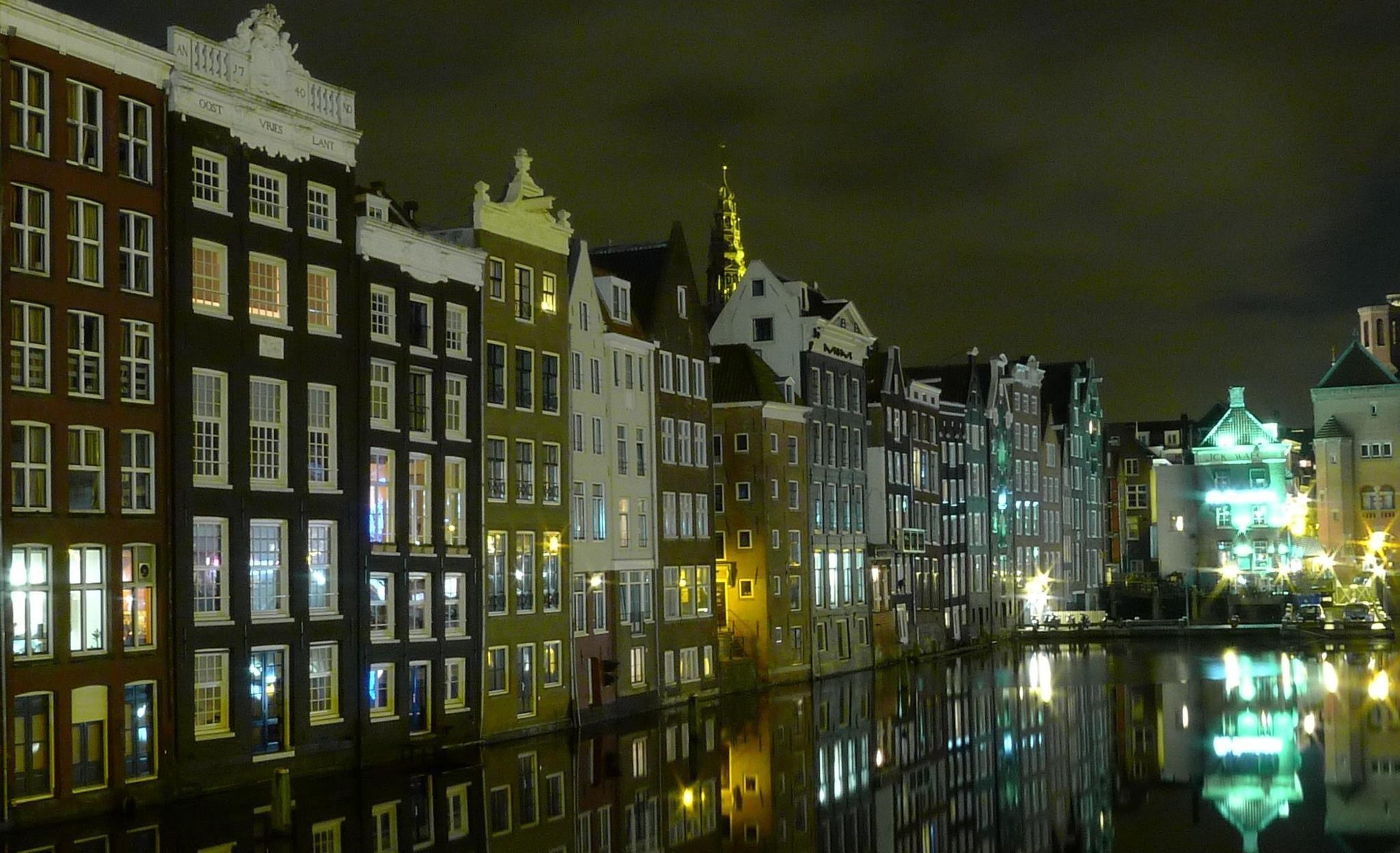 Amsterdam @ night <3