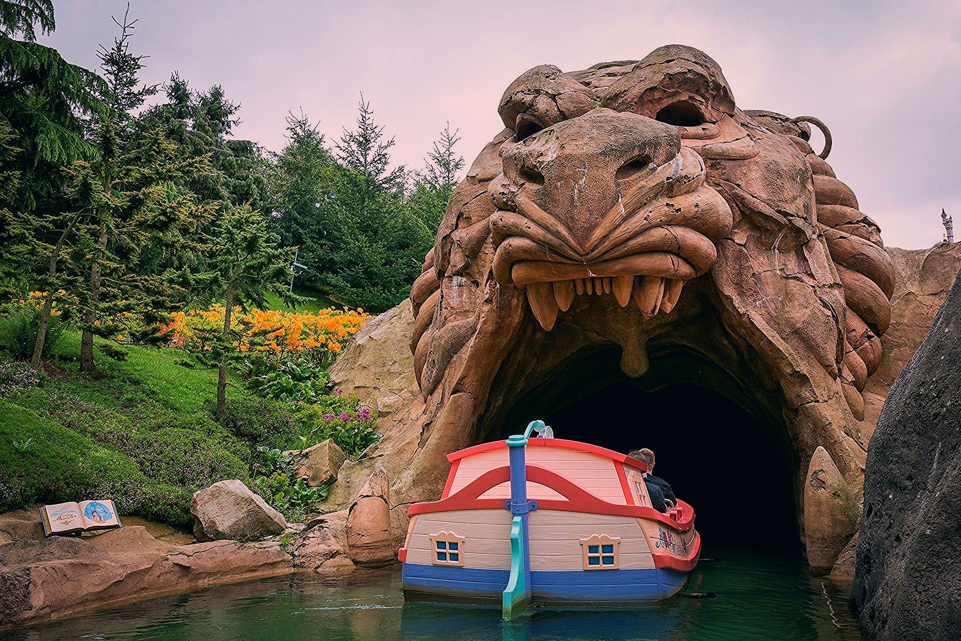 5 Reasons to Visit Disneyland Paris
