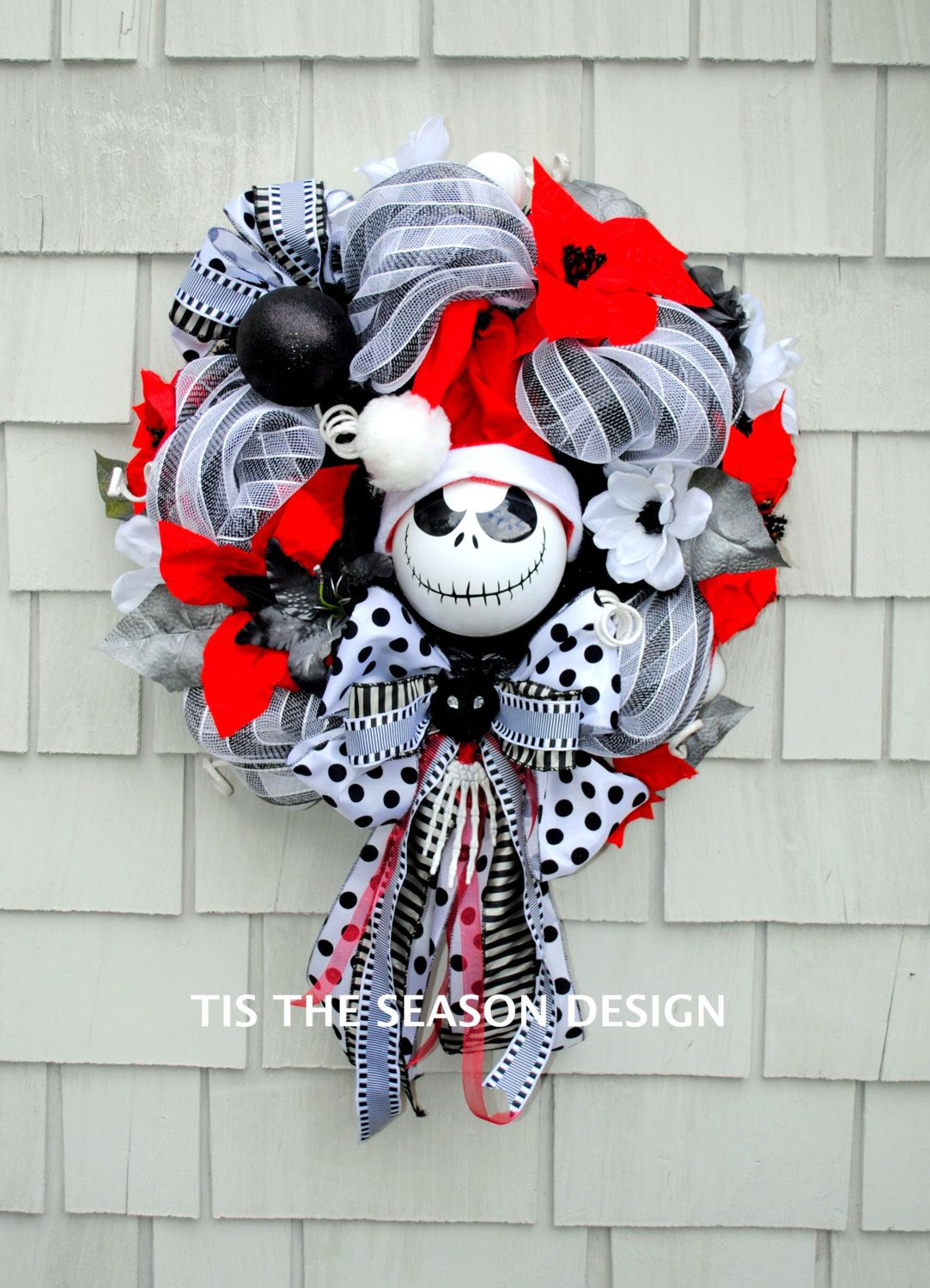 Pin by Rich Witches Cauldron on Christmas wreaths | Nightmare before ...