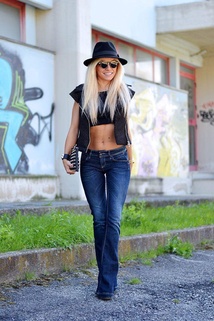 Ventifive leather vest, flared jeans, fedora hat and ZeroUV sunglasses - Glam Rock look, today on my #fashionblog www.it-girl.it <3 #fashion #style #look #fashionista #fashionblogger #pretty #blonde #blondie #cool