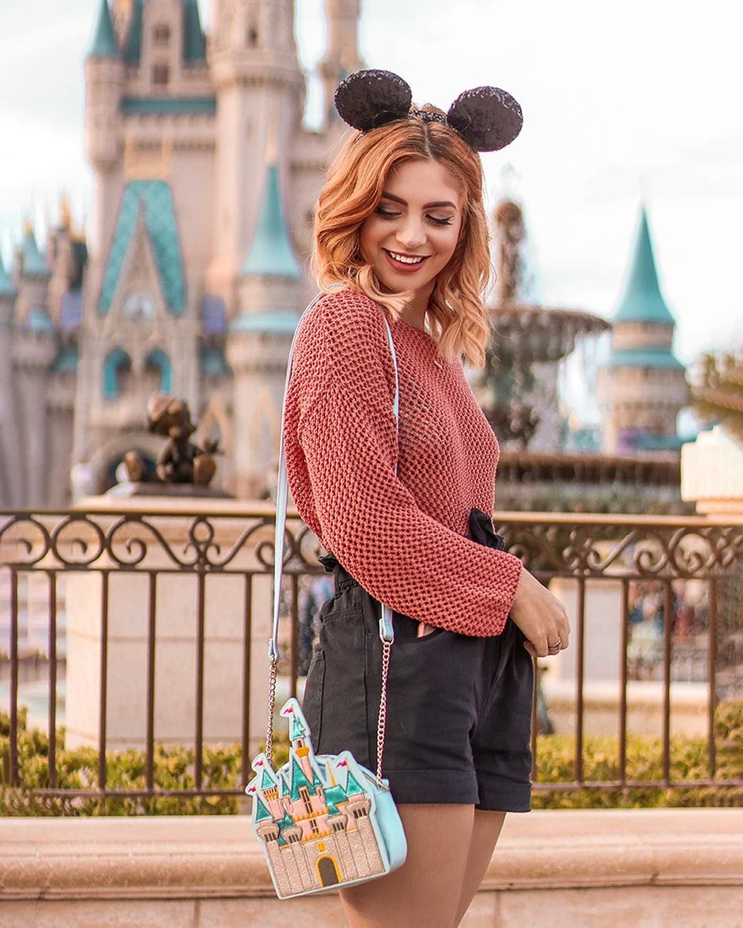 Raven Daria On Instagram When This Purse Came Out In Disneyland I Freaked Out My Sweet Boyf Disney Outfits Women Disney Inspired Outfits Disney Trip Outfits