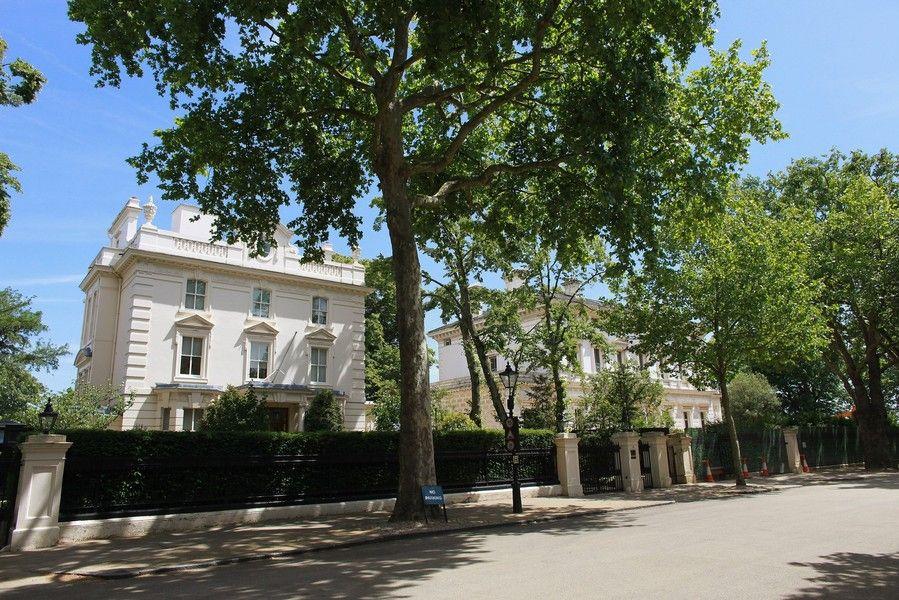 bde533fc6a8925eb631cb07ad94c0ffd - Kensington Palace Gardens London Real Estate