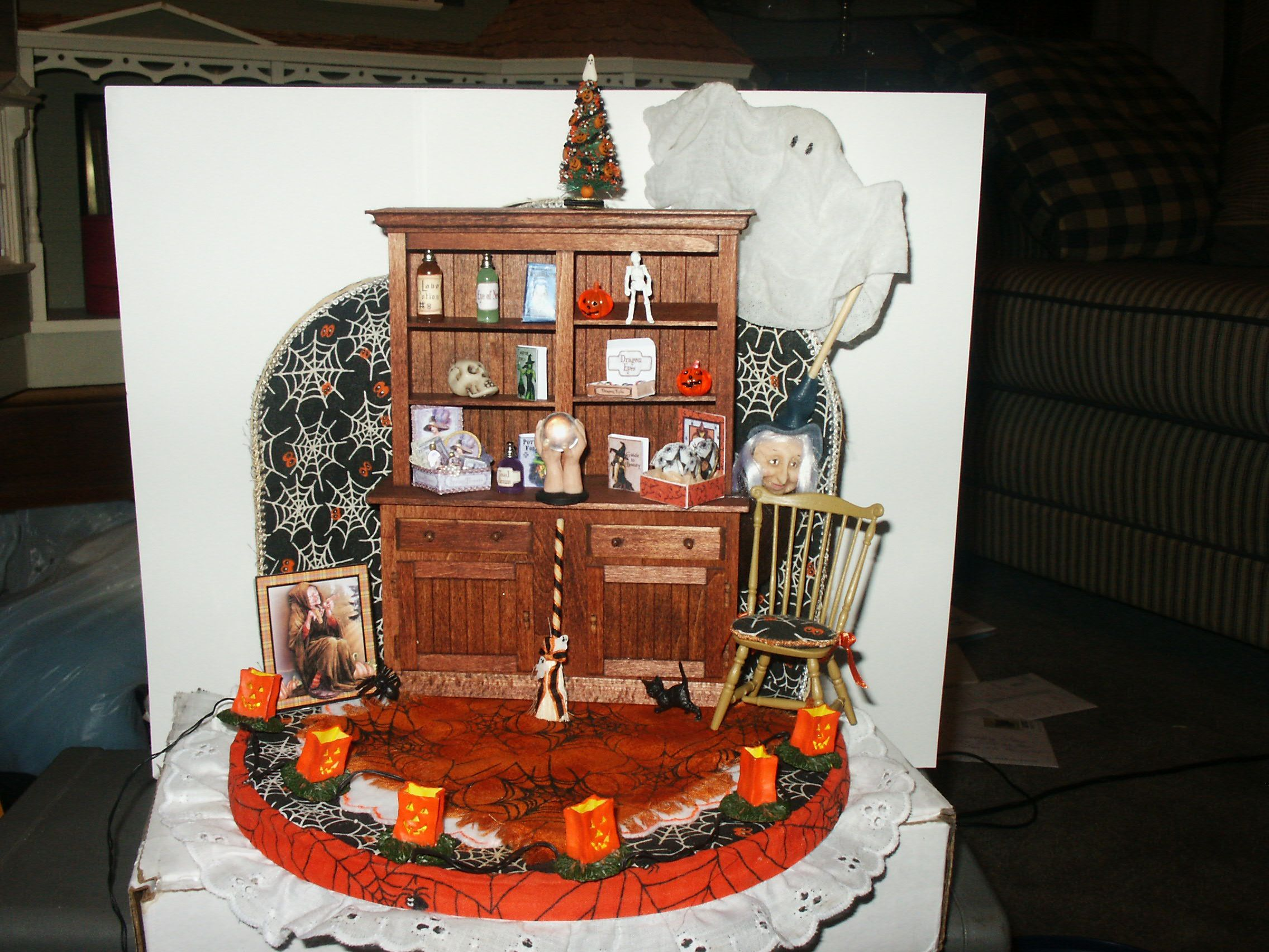 Prototype decorated for Halloween. in 2020 Dollhouse