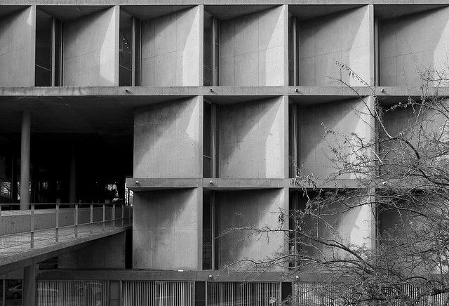 Carpenter Center - Le Corbusier by Scott Norsworthy, via Flickr