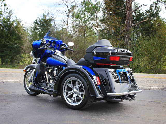 What are some good manufacturers of Trike conversion kits?