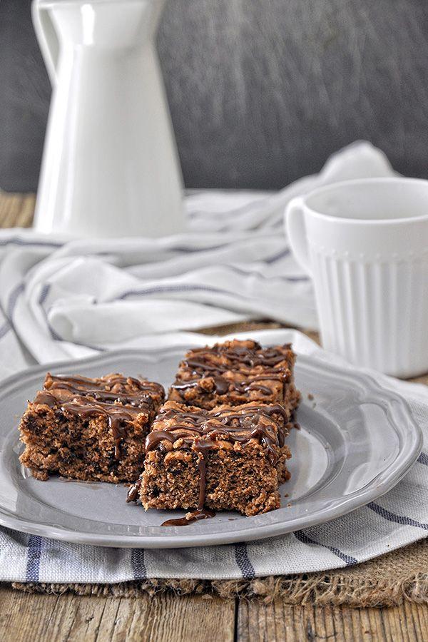 Nηστίσιμο κέικ με ταχίνι (ταχινόπιτα) & σταγόνες σοκολάτας / Sesame butter chocolate chip cake (vegan)