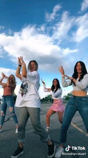 Pin By Alice Reis On Tiktok Video In 2021 Dance Choreography Videos Choreography Videos Dance Music Videos