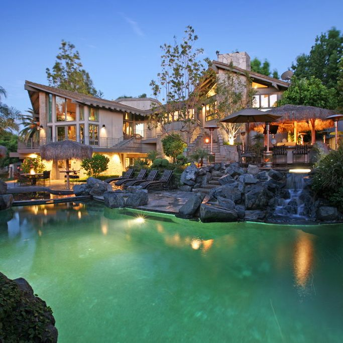 Smoketree Apartments: Luxury Home In Anaheim Hills, California