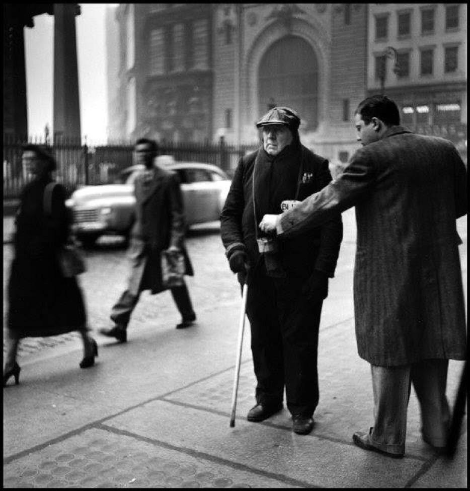 New York City street scene, 1949. Photo by Elliott Erwitt.