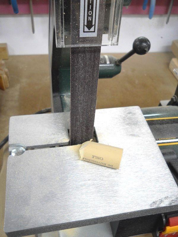 Synthetic Wine Bottle Cork Shop Use / Usage de bouchons synthétiques de bouteilles de vin en atelier
