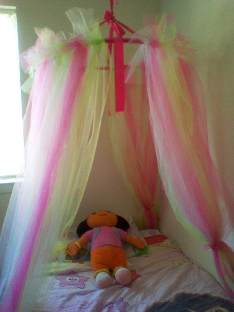 Princess Dazzle How To Make A Tulle Bed Canopy Girl Room Kids Bedroom Kid Room Decor