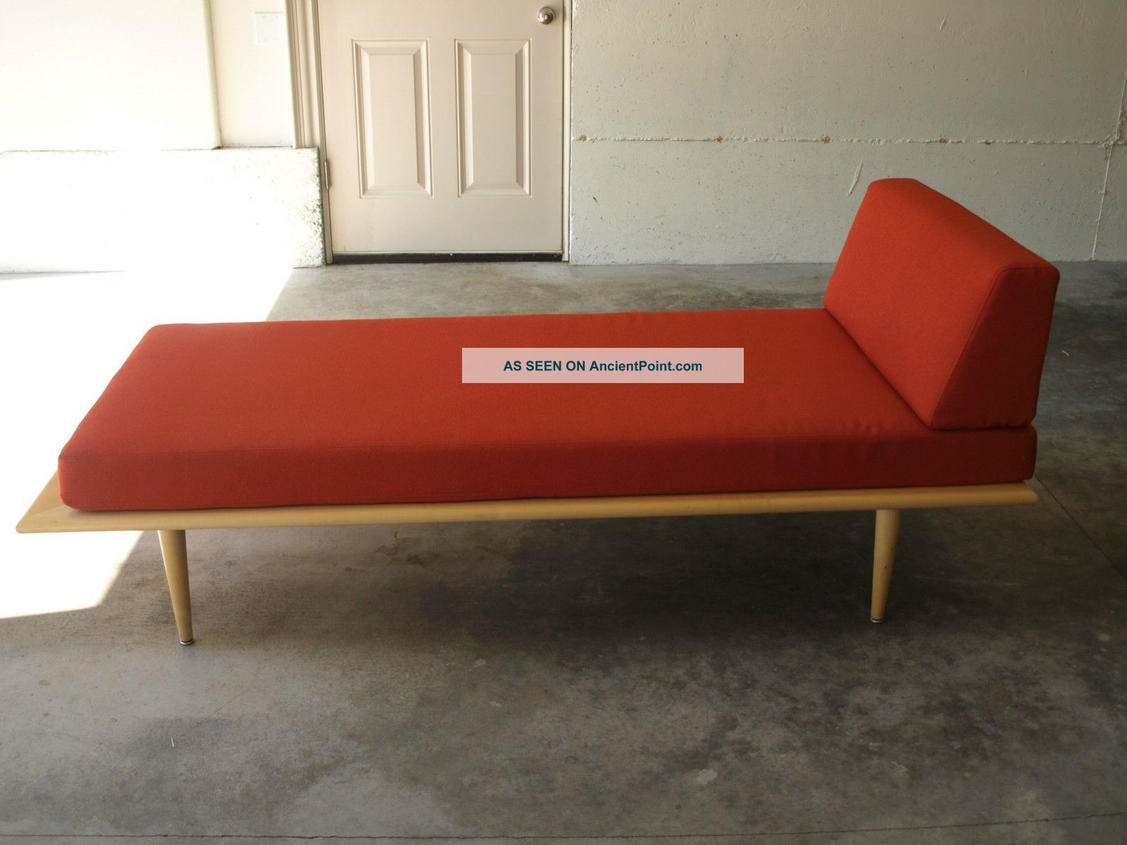 Mid Century Modern Style Lounge From Dwr Post-1950 photo : mid century modern chaise - Sectionals, Sofas & Couches