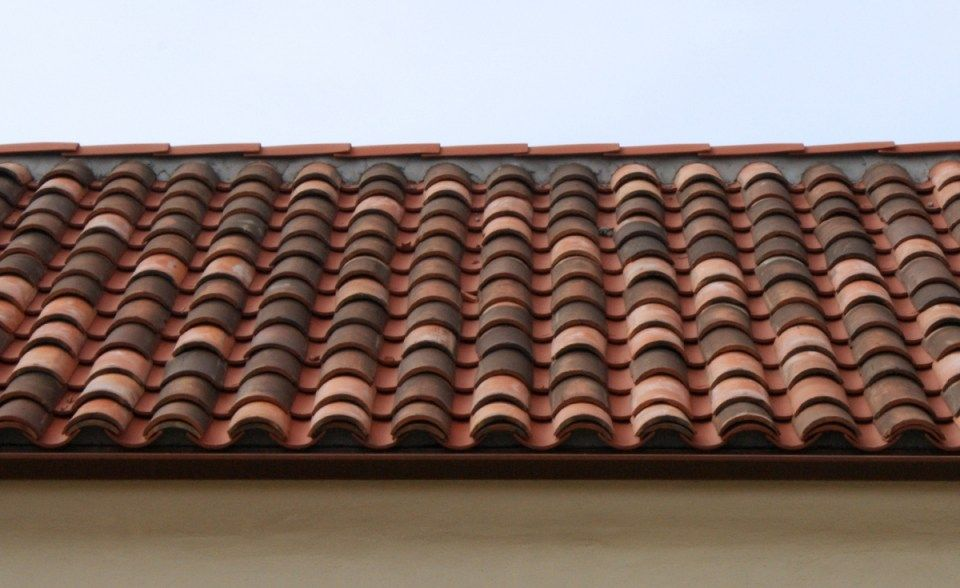 clay roof tiles roof detail
