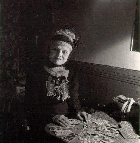 The Fortune Teller, Robert Doisneau