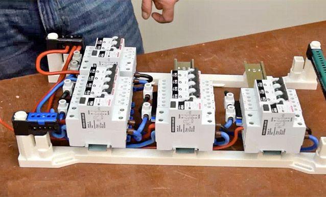 Comment câbler un tableau électrique par soi-même en respectant bien - Photo Tableau Electrique Maison