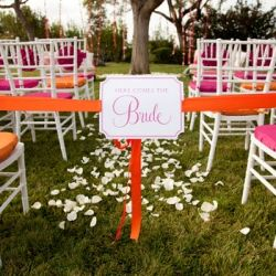 A totally chic and modern wedding in a vibrant combination of fuschia + orange. LOVE.