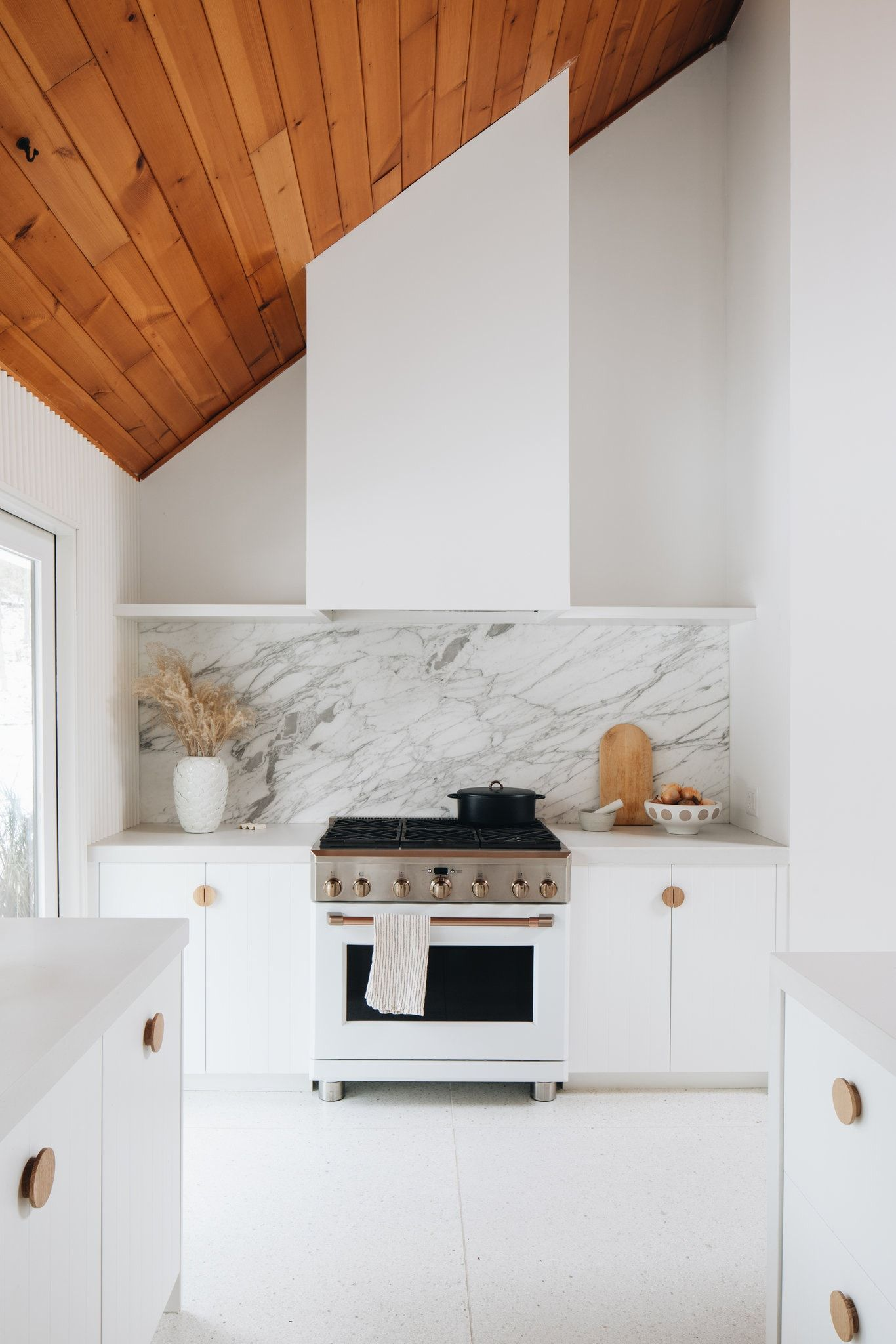 No Budget For A Custom Kitchen No Problem The New York Times In 2020 White Marble Kitchen White Ikea Kitchen Minimalist Kitchen Design