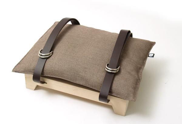 [DIY ok] 看不完的雜誌就拿來當凳子坐吧! | 大人物