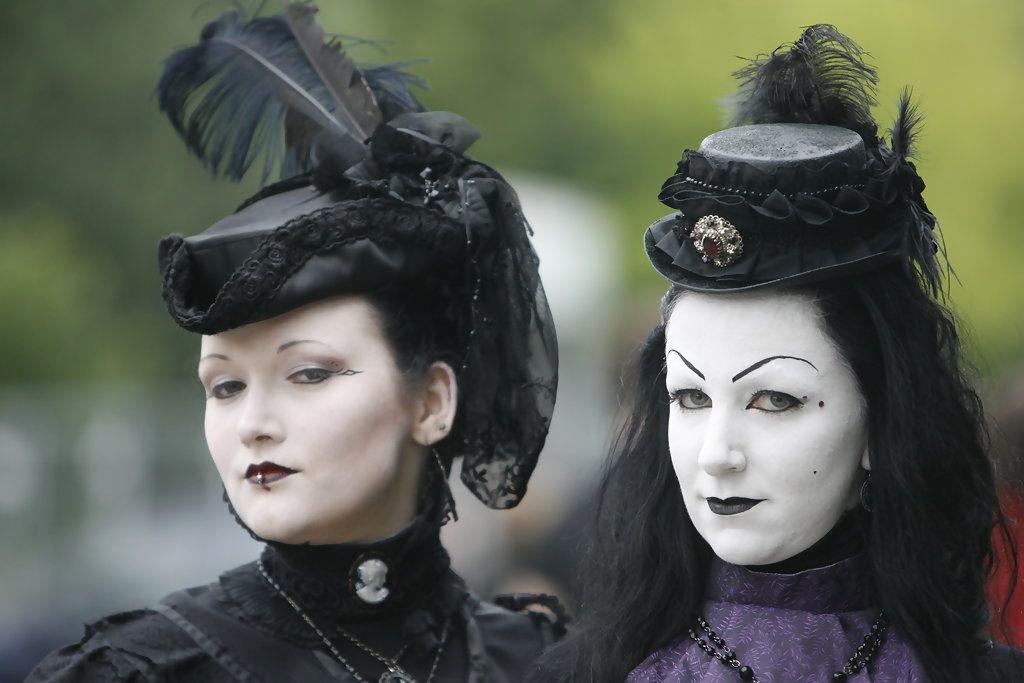 Halloween Leipzig 2020 Please Seat Yourself The Wave Gothic Festival in Leipzig, Germany | Goth, Goth girls