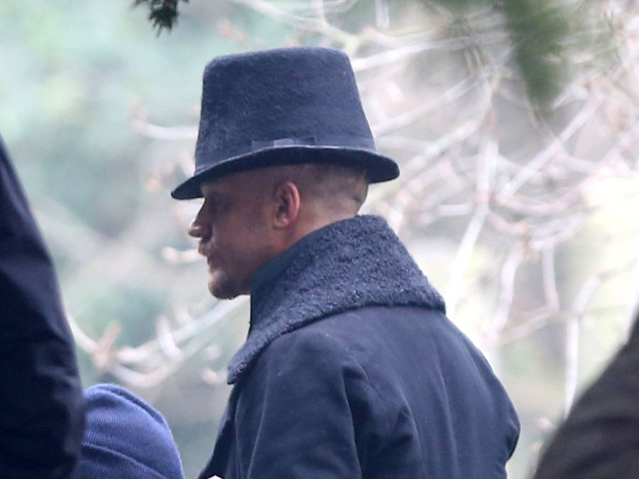 Tom Hardy And His Top Hat On The Set Of 'Taboo' In London ...