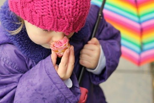 Outdoor Play Ideas for When It's Raining or Dark - key for life in the Pacific Northwest!