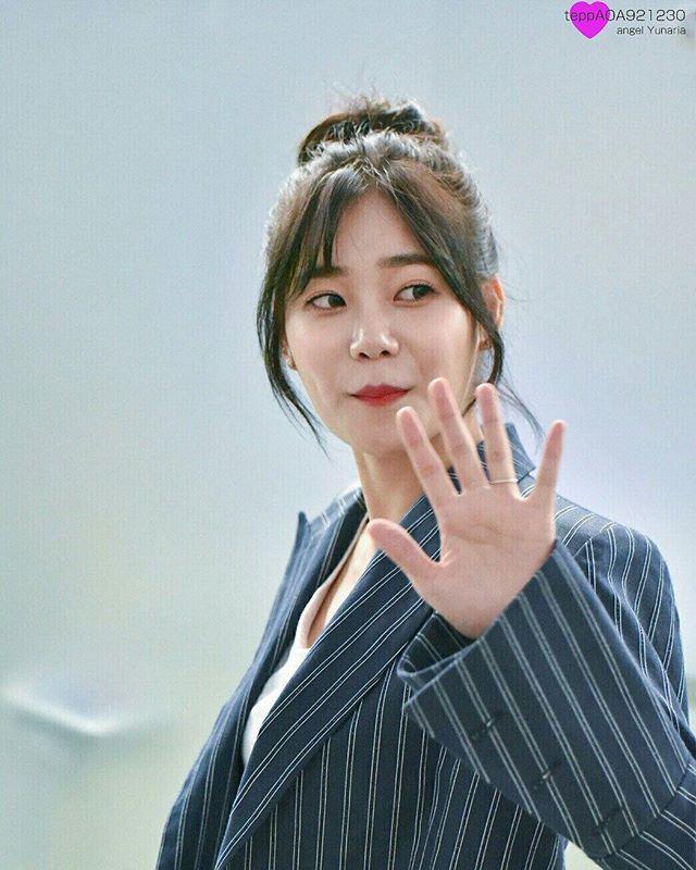 💖@yn_s_1230 💖  Src: [160902] AOA @ Incheon Airport Departure © teppAOA921230  #aoa #aceofangels #신혜정 #혜정 #에이오에이 #hyejeong #shinhyejeong #申惠晶 #惠晶 #hye_jeong #aoahyejeong #mina #kwonmina #jimin #yuna #chanmi #choaya #choa #seolhyun #박초아 #yunaria #김찬미