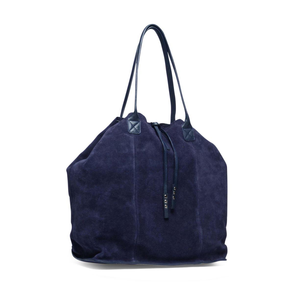 Blauwe shopper suède  Description: Blauwe tas van het merk Manfield. De tas is aan de binnenzijde en buitenzijde van suède. Aan de binnenkant is er een opbergvakje aanwezig met rits. U sluit de tas eenvoudig met de magnetische sluiting. De afmetingen zijn 35x36x15 (hxbxd).  Price: 40.00  Meer informatie  #manfield