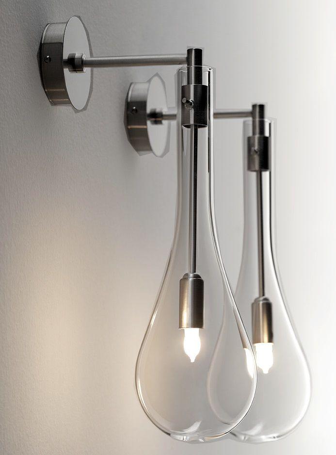 I lampadari in questo caso non sono utilizzati perché meno resistenti all'umidità e perché creano ingombro togliendo spazio in verticale, in un ambiente come il bagno in cui lo spazio in genere è già ristretto. Lampada Splash A Muro Applique Da Bagno Lampada A Muro Illuminazione Bagno