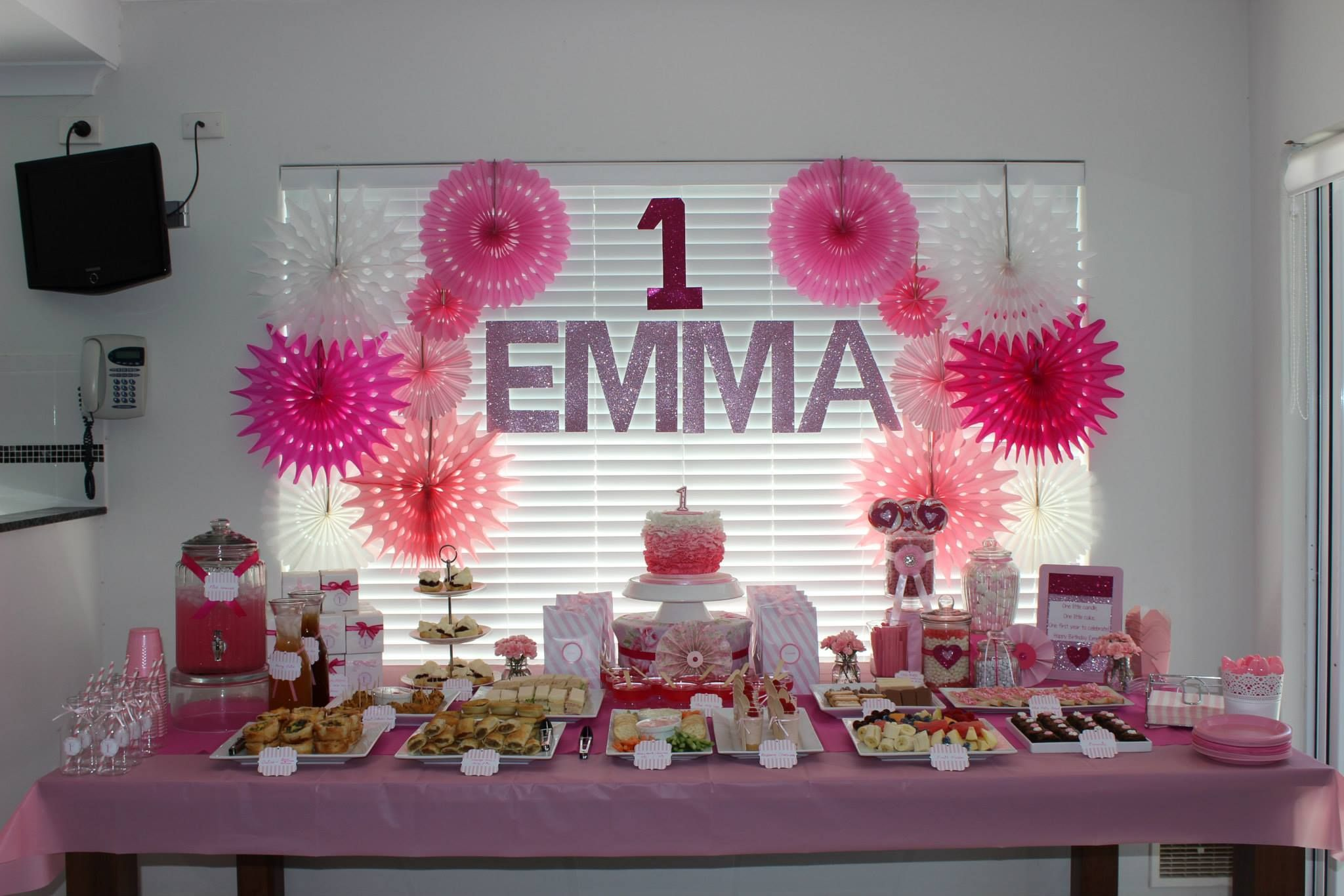 Pink 1st Birthday party table setup