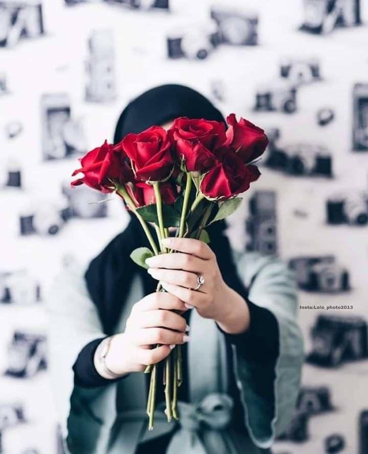 Pin By Tahira Batool On Flowers Girly Photography Beautiful Hijab Girls With Flowers