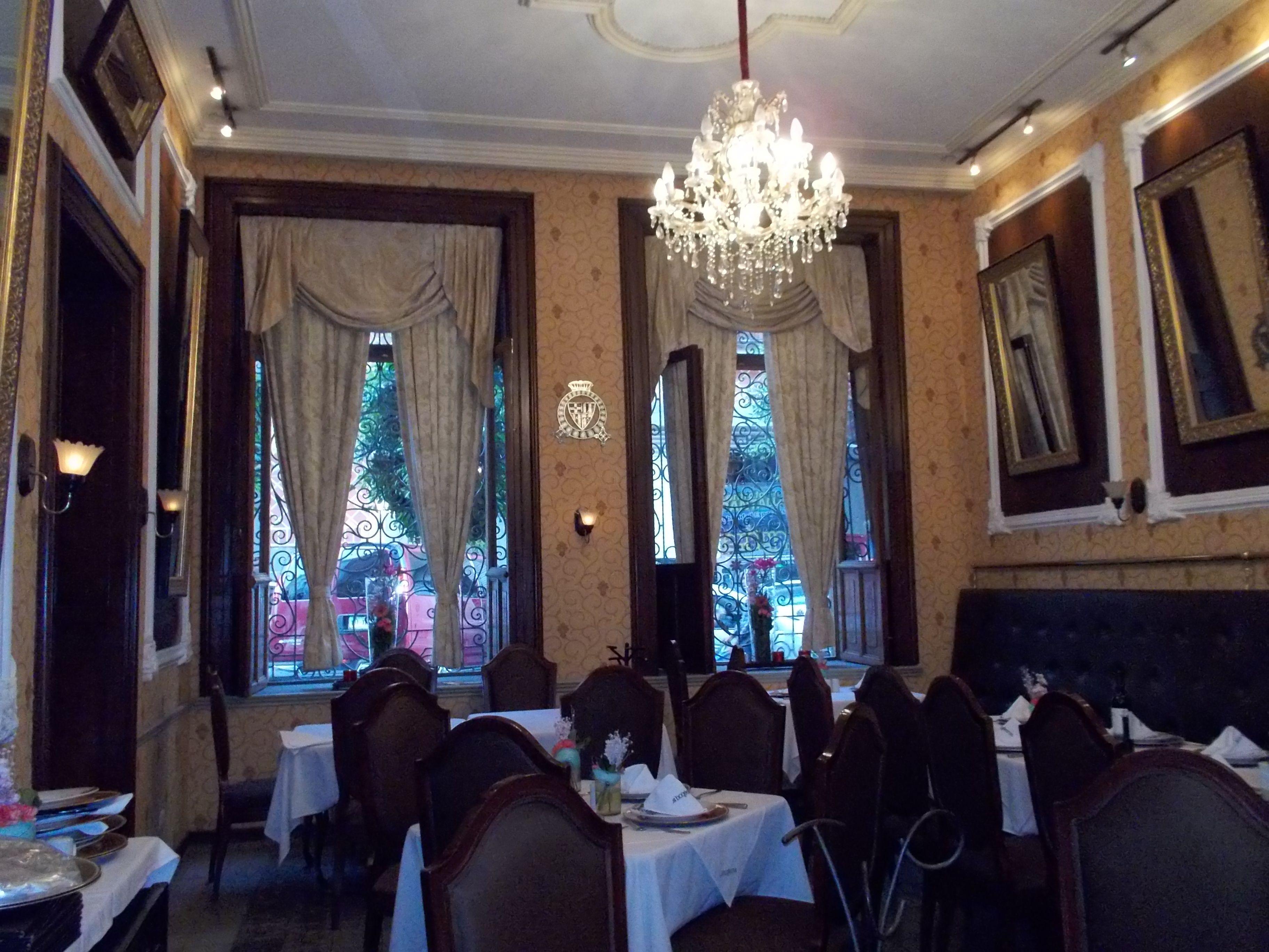 El restaurante del hotel puebla de anta o muy for El mural restaurante puebla