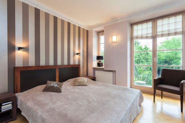 Pareti a righe google vernici e colori vernici - Imbiancatura camera da letto ...