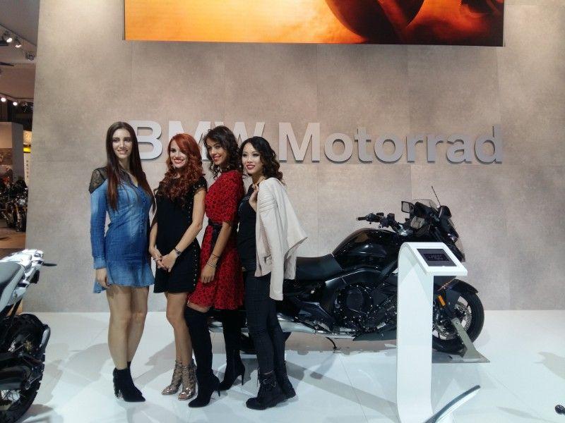 bmw-motorrad-girls-eicma