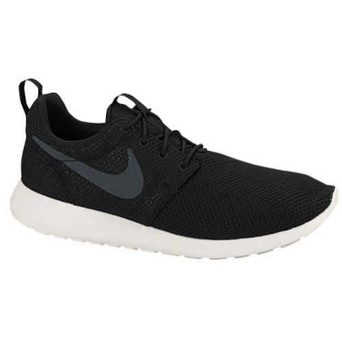 new concept b458b b2feb Esta es Nike Roshe run zapatos. Sus materiales son phylon. Sus colores son  el blanco y negro. Me gusta que su simple y se adapta todo.